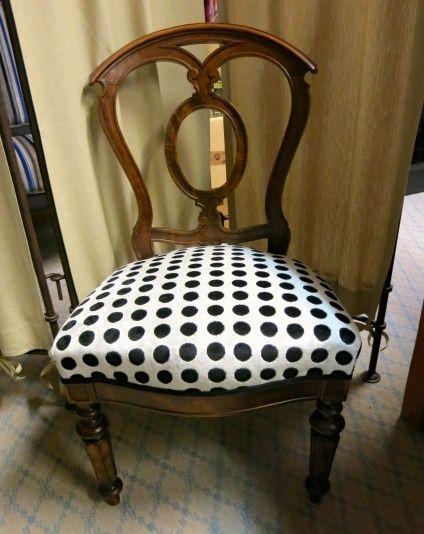 chaise anglaise chaise de bureau anglais finest fauteuil anglais velours blafo with chaise de. Black Bedroom Furniture Sets. Home Design Ideas